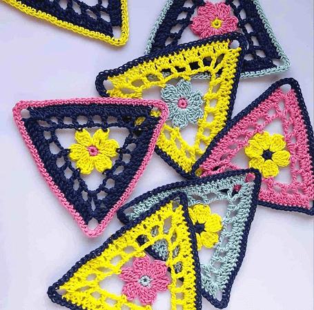Crochet Flower Bunting Pattern by Annie Design Crochet