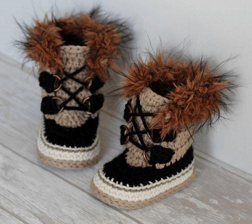 Crochet Summit Snowboots Pattern by Inventorium