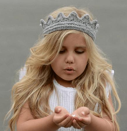 Princess Crown Crochet Pattern by The Velvet Acorn