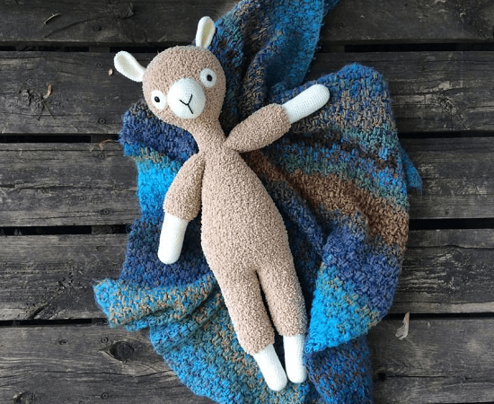 Free Crochet Llama Pattern by While They Dream