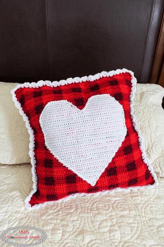 Plaid Heart Pillow Crochet Pattern by Nicki's Homemade Crafts
