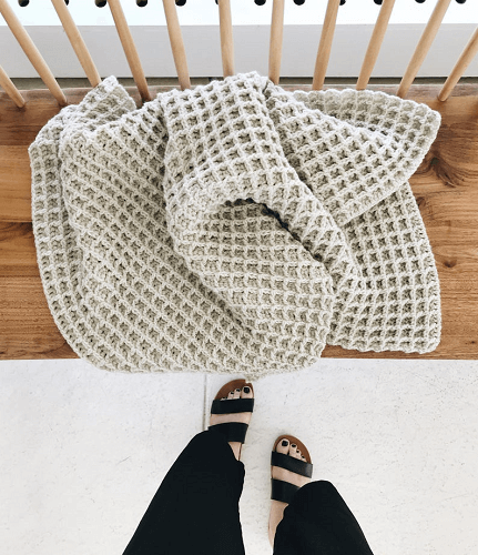 Poze Throw Blanket Crochet Pattern by De Brosse NYC