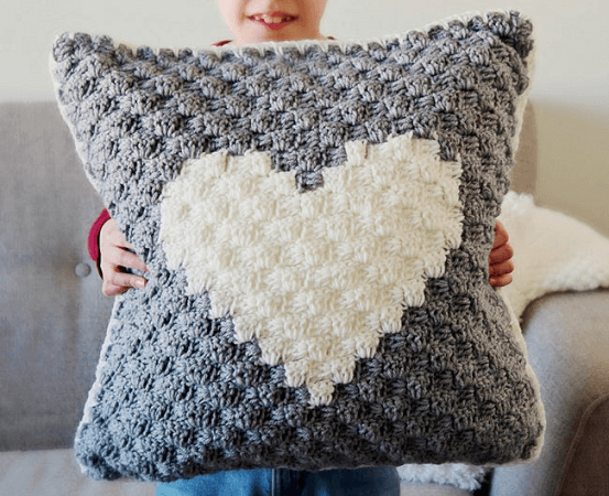 Sweetheart Pillow Crochet Pattern by Tundra Knits