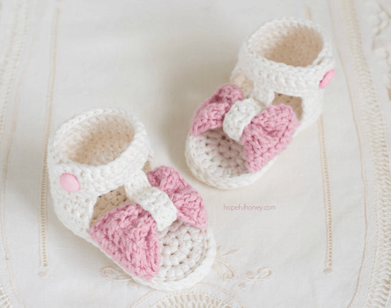 Bonbon Baby Sandals Crochet Pattern by Hopeful Honey Designs