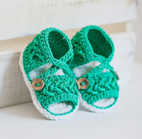 Chevron Crochet Baby Sandals Pattern by Mon Petit Violon