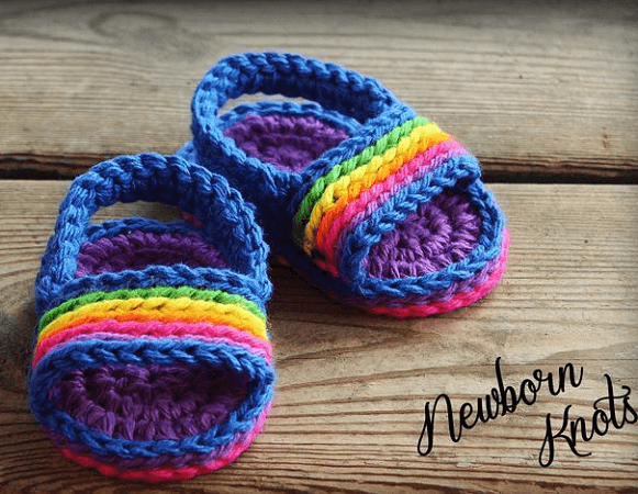 Crochet Pin Stripe Baby Sandals Pattern by Newborn Knots