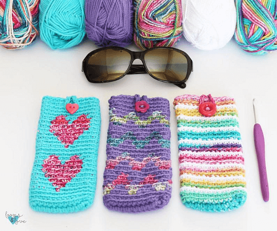 Easy Crochet Sunglasses Case Pattern by Loops And Love Crochet