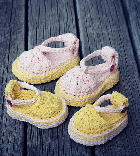Platform Baby Sandals Crochet Pattern by Lisa van Klaveren