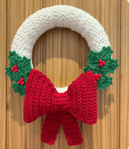 Bow And Holly Christmas Wreath Crochet Pattern by Lau Loves Crochet