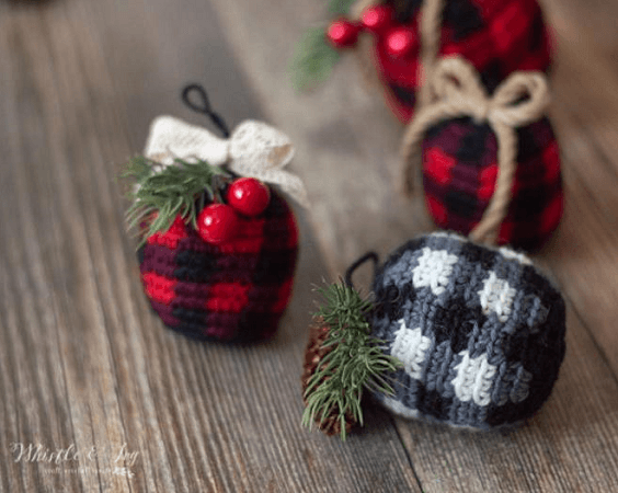Crochet Buffalo Plaid Ornaments Bauble Pattern by Whistle And Ivy
