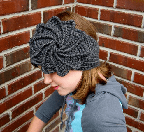 Spiral Headband Floral Crochet Pattern by Yarn Twisted