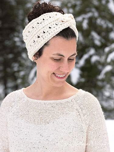 Easy 1 Hour Headband With Twist Crochet Pattern by Kirsten Holloway Designs