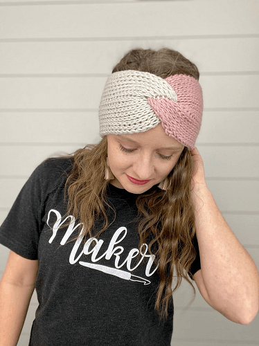 Twisted Headband Crochet Pattern by A Crafty Concept