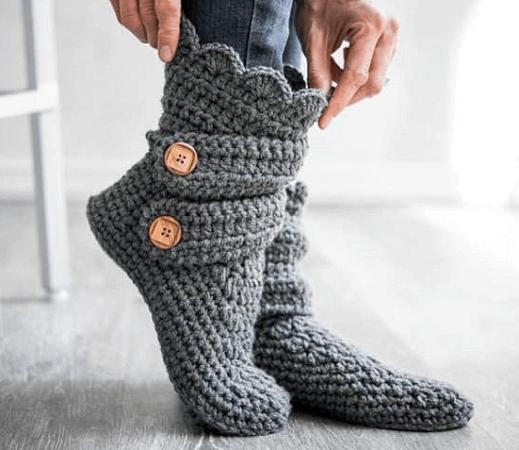 Woman's Slipper Boots Crochet Pattern by Crochet Dreamz