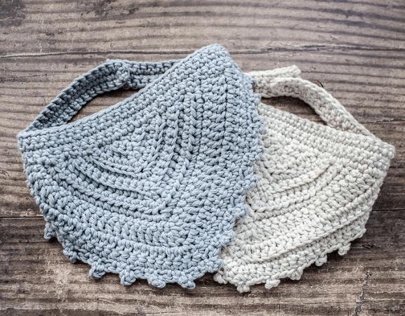 Baby Dribble Bib Crochet Pattern by Sarling Crochet
