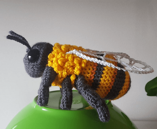 Crochet Bumblebee Pattern by Complicated Knots