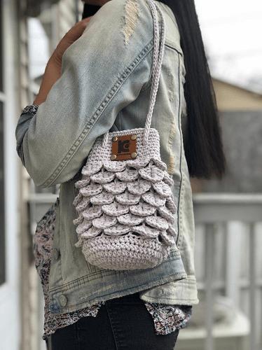 Crochet Crocodile Stitch Bag Pattern by Knitcro Addict