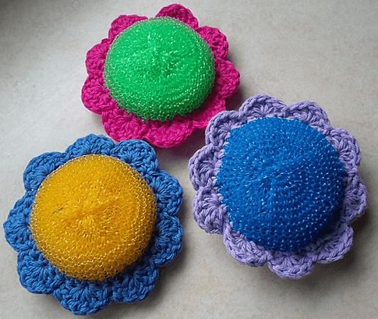 Crochet Flower Power Dish Scrubber Pattern by Wren Couture