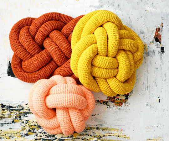 Crochet Knot Pillows Pattern by Midknits