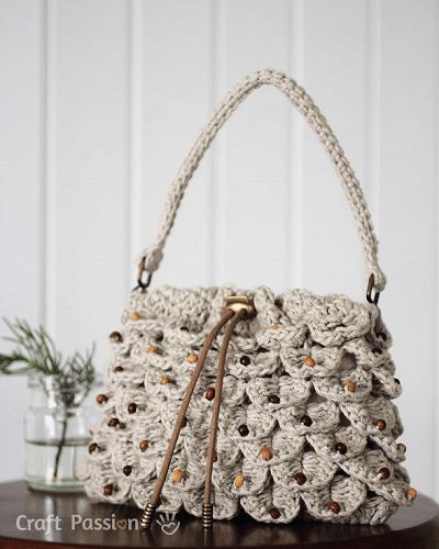 Crocodile Stitch Drawstring Purse Crochet Pattern by Craft Passion