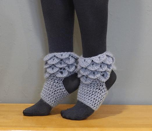 Crocodile Stitch Yoga Sock Crochet Pattern by Jonna Martinez Crochet