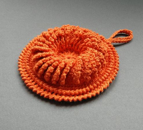 Fiorire Dish Scrubber Crochet Pattern by Sculptural Crochet