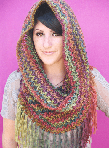 Mountains Cowl Free Crochet Pattern by Gleeful Things