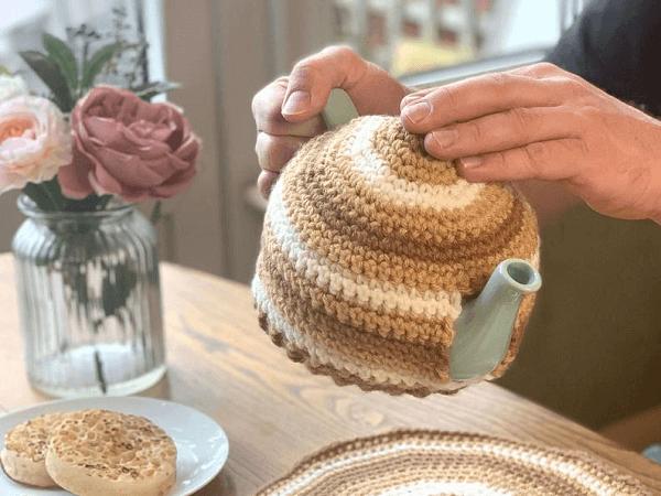 eapot Cosy Crochet Pattern by Cosy Rosie UK