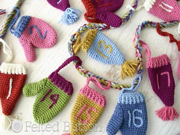 Christmas Countdown Garland Crochet Pattern by Felted Button