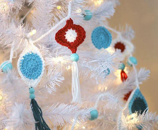 Crochet Retro Ornament Garland Pattern by Persia Lou