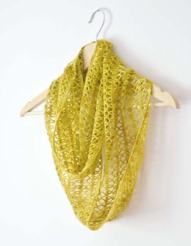 Crochet Sunny Lace Cowl Pattern by My Crochetory