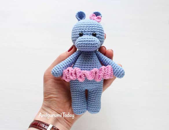 Cuddle Me Hippo Amigurumi Pattern by Amigurumi Today