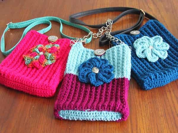 Free Crochet Crossbody Bag Pattern by Traverse Bay Crochet