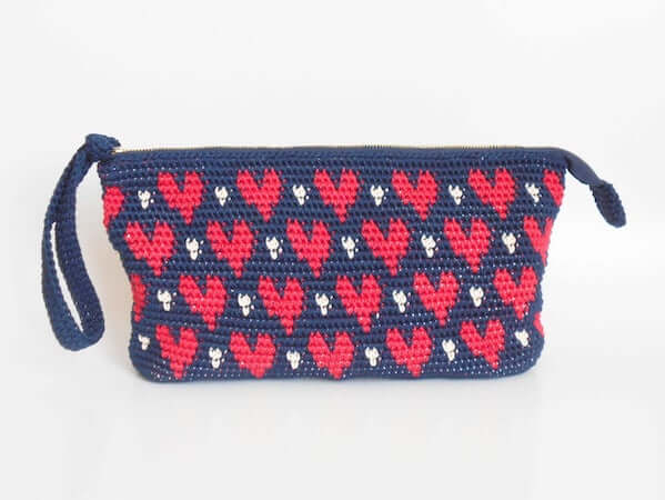 Hearts Clutch Tapestry Crochet Pattern by Chabe Patterns