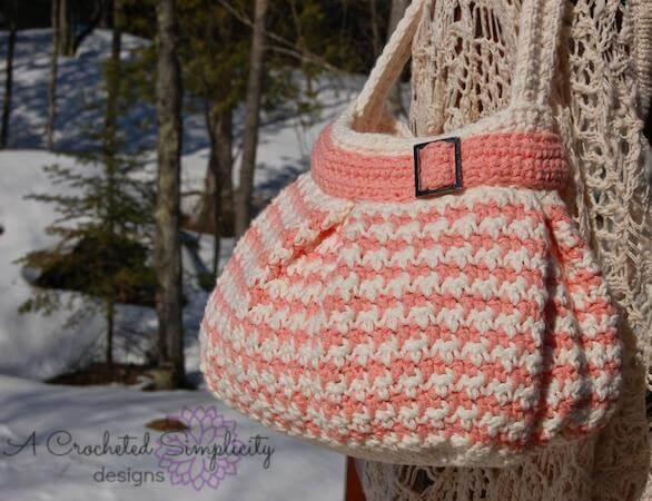 Houndstooth Handbag Crochet Pattern by A Crocheted Simplicity