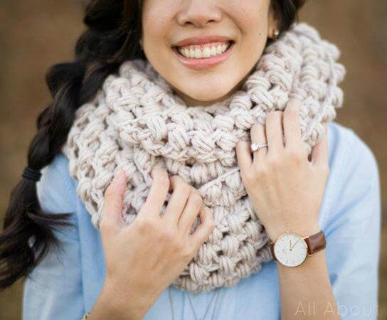 Jumbo Puff Stitch Cowl Crochet Pattern by All About Ami