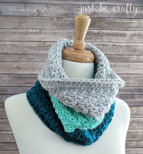 Mint Color Block Cowl Crochet Pattern by Just Be Crafty