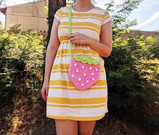 Strawberry Crossbody Bag Crochet Pattern by Hello Happy