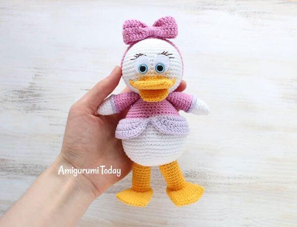 Webby Duck Amigurumi Pattern by Amigurumi Today