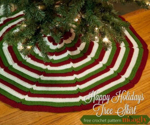 Happy Holidays Tree Skirt Free Crochet Pattern by Moogly