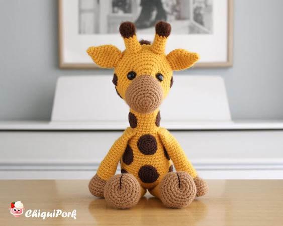 Amigurumi Toy Giraffe Crochet Pattern by Chiqui Pork