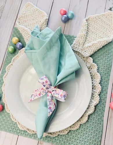 Bunny Ears Placemat Crochet Pattern by Karla's Making It