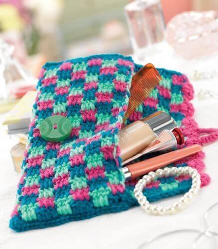 Checkered Crochet Clutch Bag Pattern by Lucinda Ganderton