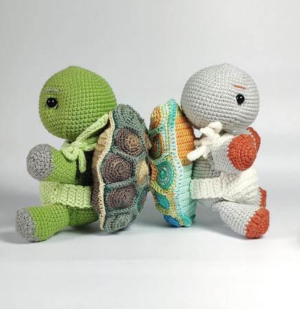 Crochet Turtle Amigurumi Toy Pattern by Toysneed