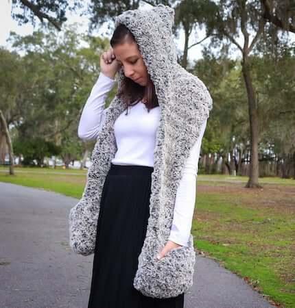 Faux Fur Hooded Scarf Crochet Pattern by Sigoni Macaroni
