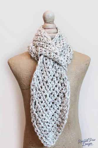 Adjustable Free Crochet Keyhole Scarf Pattern by Easy Crochet