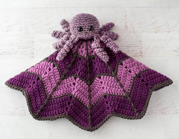 Spider Crochet Lovey Blanket Pattern by Crochet 365 Knit Too
