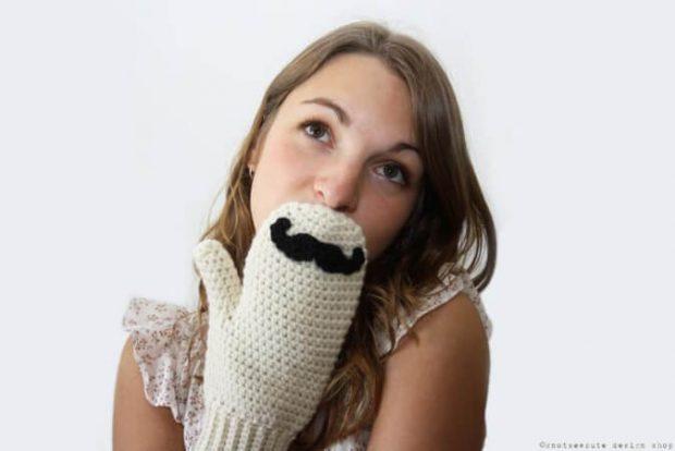 Crochet Mustache Mittens Pattern from knotsewcute