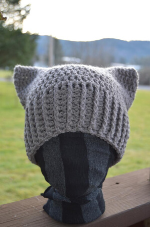 Crochet No-Sew Square Cat Hat Pattern by JenMadeThatHat