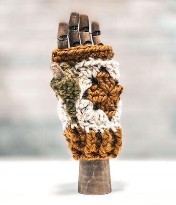 9. Aspen Gloves Crochet Pattern by Underground Crafter